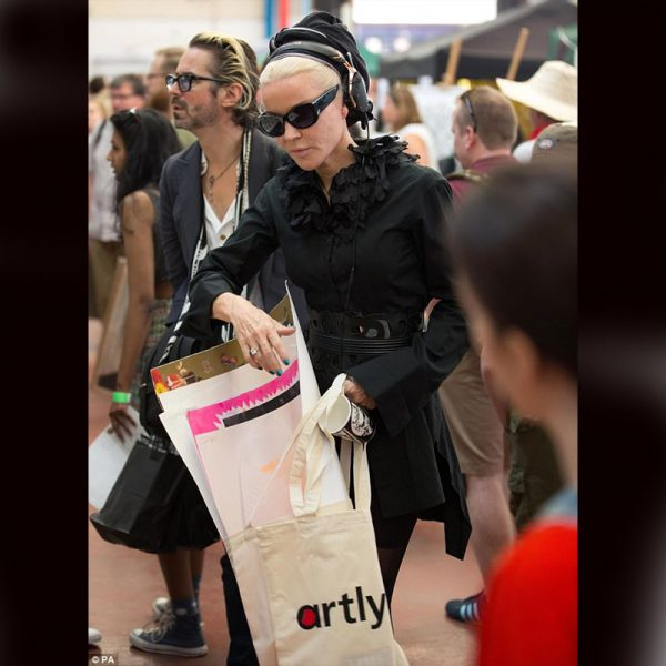 Daphne Guinness donned an Artlyst bag