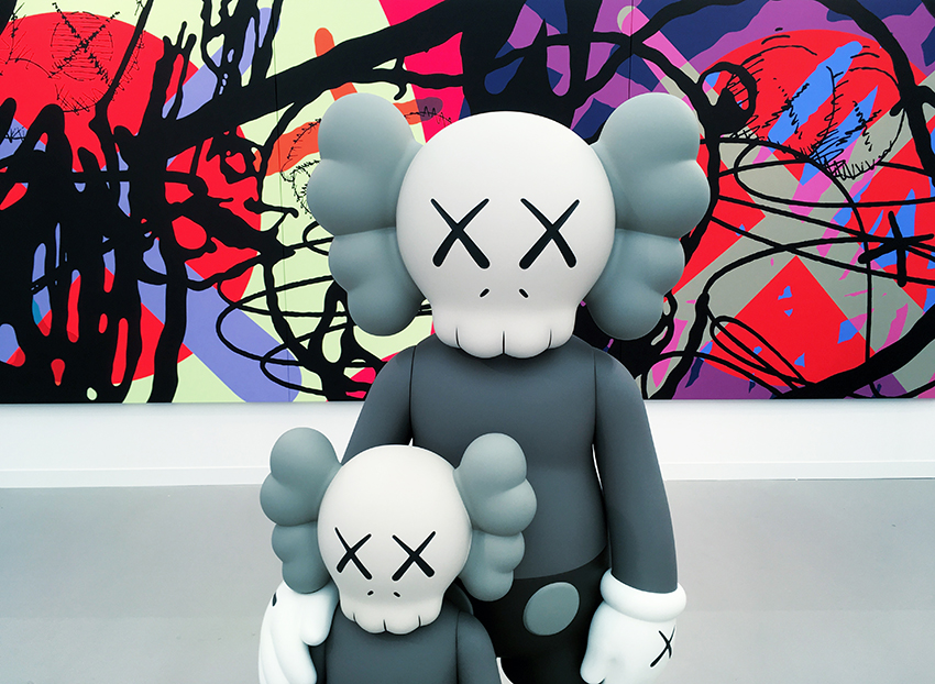 KAWS ©photo ZOLTAN+