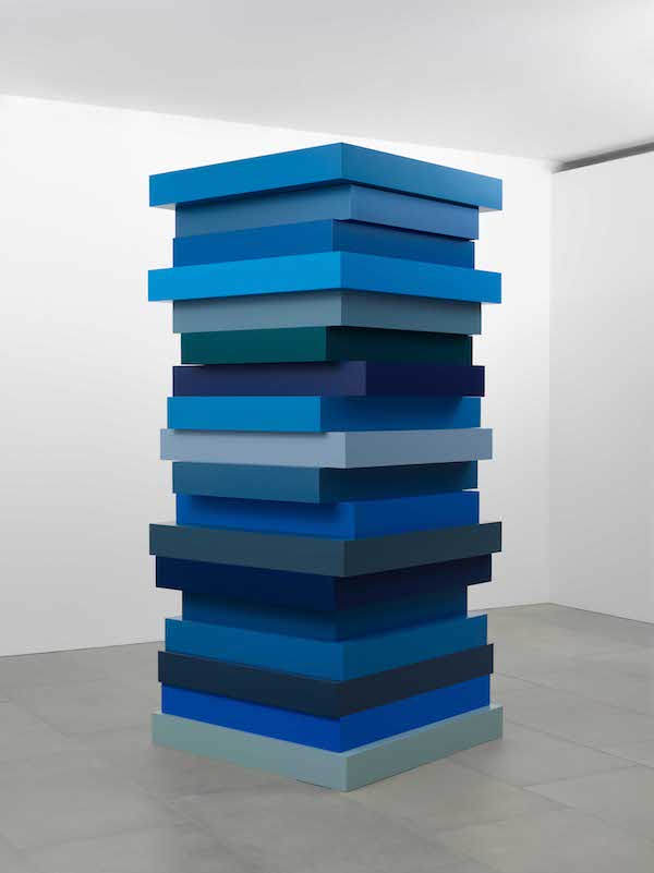 Sean Scully Stack Blues 2017 Aluminium and car paint 274.3 x 121.9 x 121.9cm Courtesy the artist and Blain | Southern; Photo © Peter Mallet