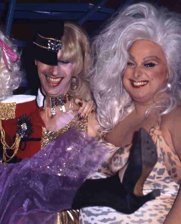 Andrew-Logan-and-Divine-1978-by-Johnny-Dewes-Matthews