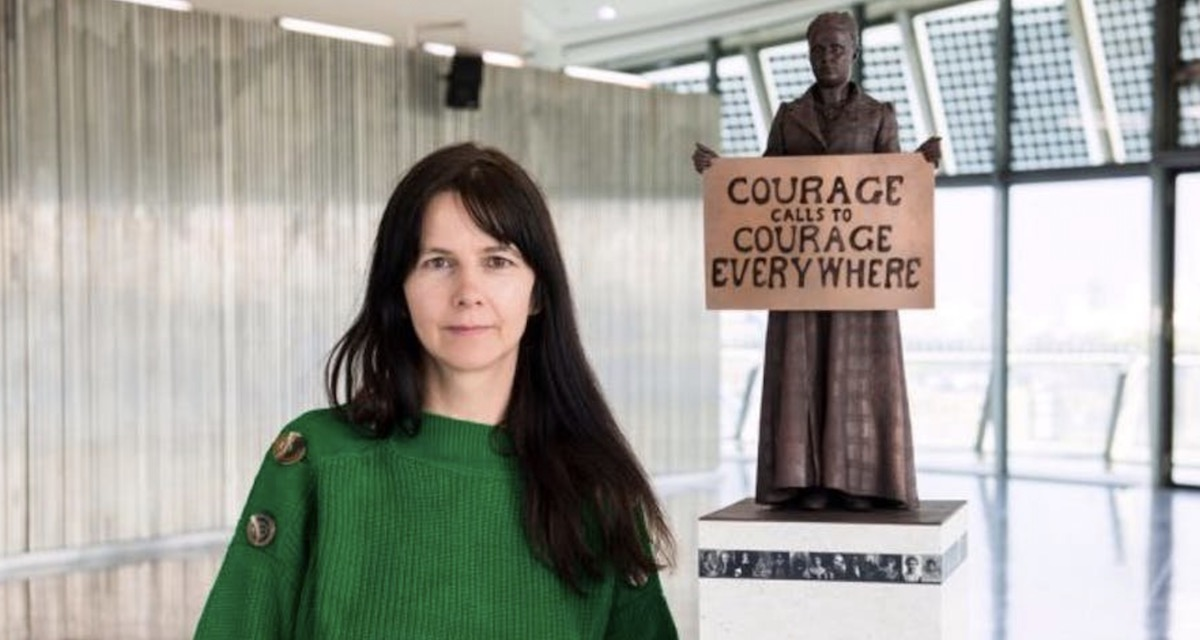 Gillian Wearing in front of statue of Suffragist Millicent Fawcett Photo via Twitter