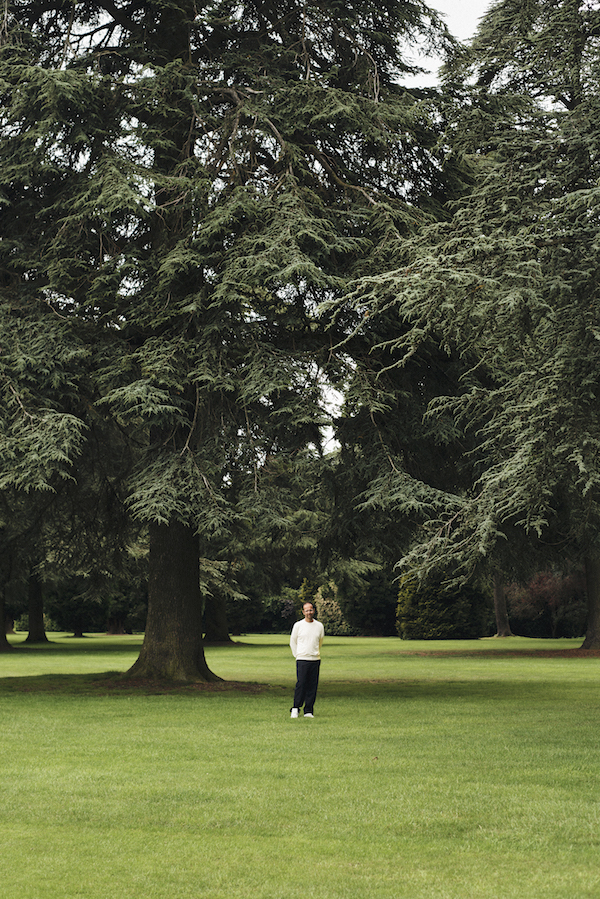 Tino Sehgal in the grounds at Blenheim. Photo by Edd Horder Courtesy of Blenheim Art Foundation.